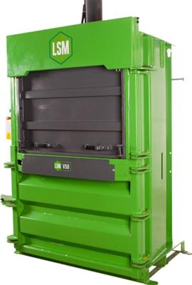 V50 mill size baler with guillotine door