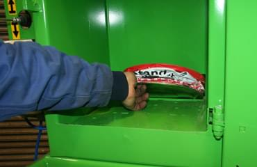 LSM can crusher for easy disposal of cans