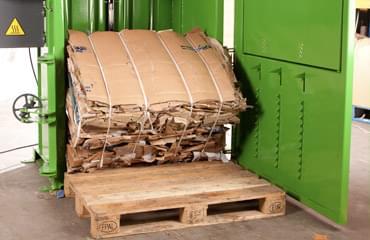 250 kg cardboard bale