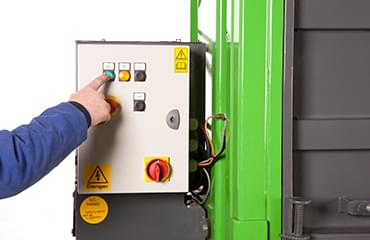 V50 baler Simplified low-voltage user controls