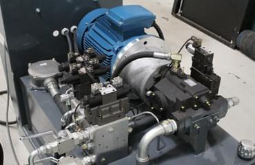 V85 Tyre baler 15 kw motor