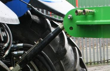 Agri baler operates on a single acting spool from tractor